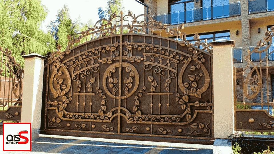 Кованые ворота в Запорожье отображают свободу в выражении идей. В свою очередь, компания «Аисс Групп» поддерживает безграничное творчество всеми силами.