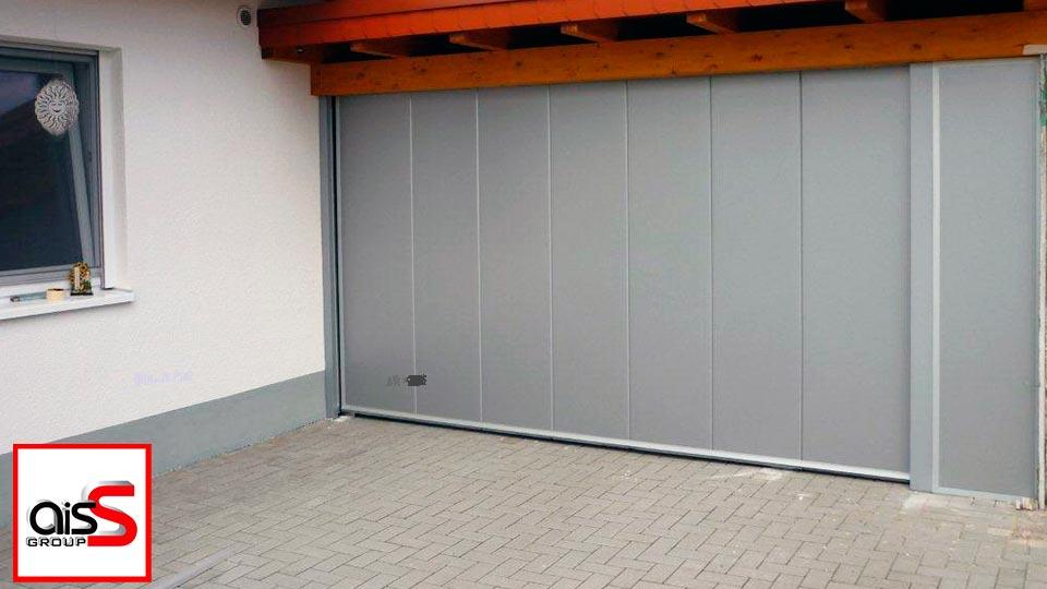 На фото боковые секционные ворота