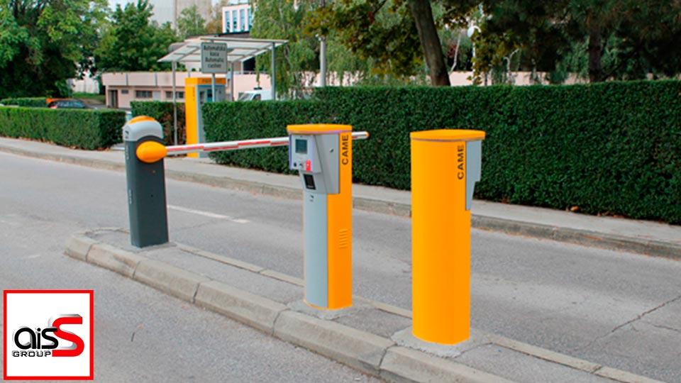 На фото парковочные системы