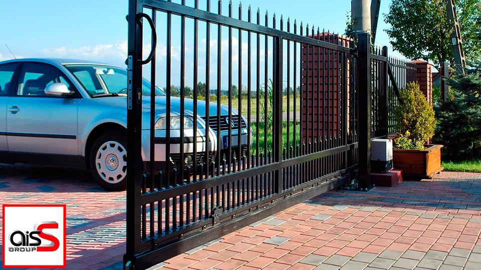 Откатные кованные ворота в Запорожье